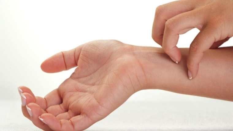 Al instalar de manera inmediata un descalcificador de agua, se notaran los cambios, la piel dejara de sentirse que pique, el cabello, la piel en general mostraran síntomas de salubridad