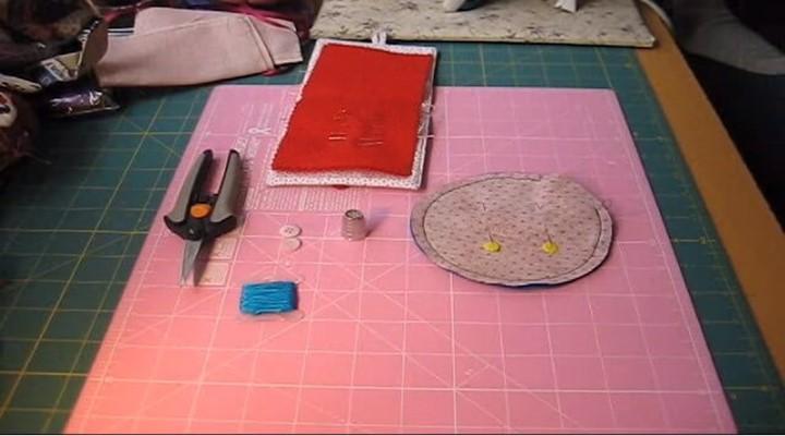 coser el circulo del alfiletero a mano o maquina