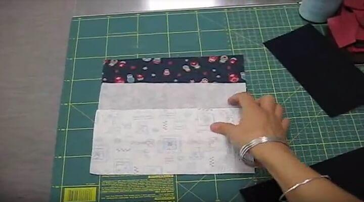 recortar las piezas para la cartera guarda agujas