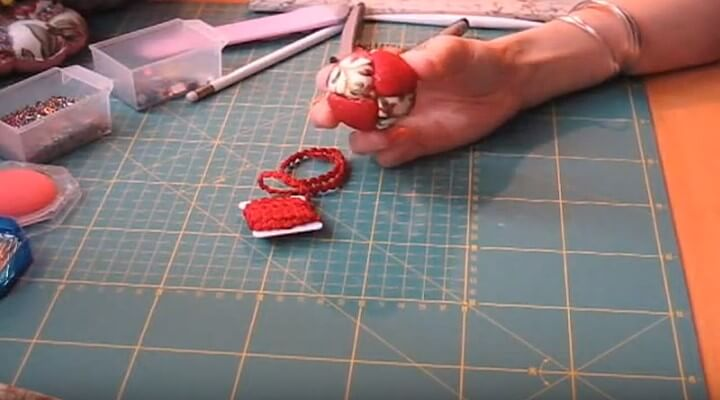 decorar con tela la bola de navidad en patchwork