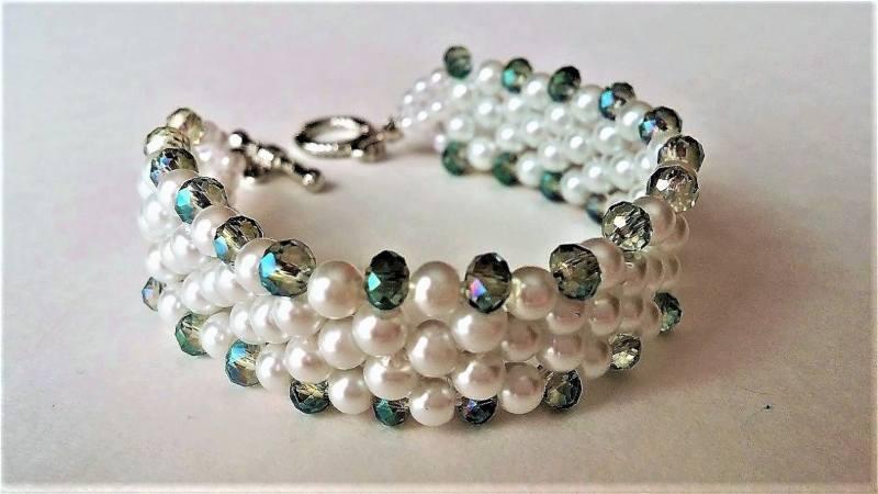 pulseras hilos y perlas