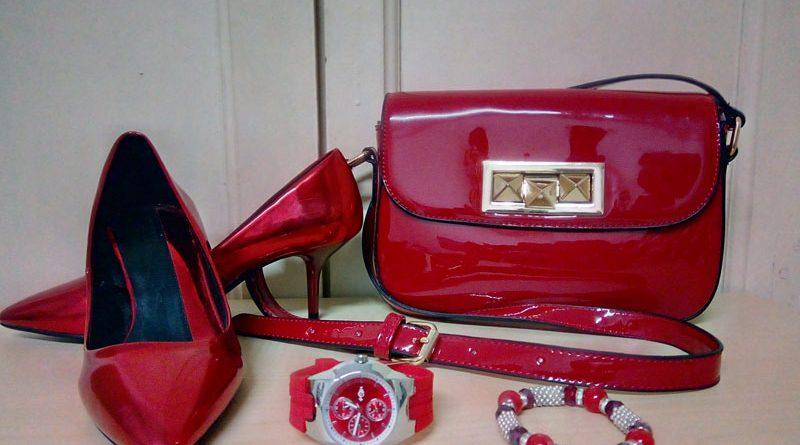 zapatos rojo mini bolso rojo de charol, accesorios